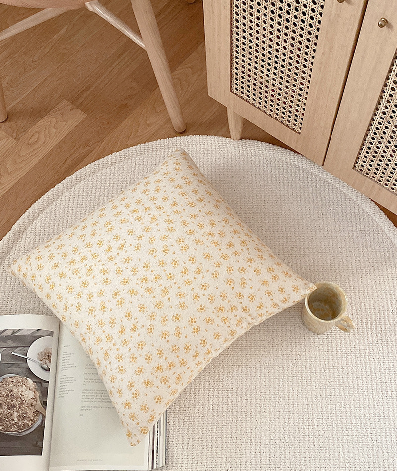 Jeni Flower Cushion Cover