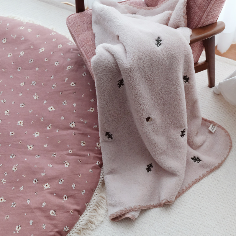 *merci item* tori winter blanket (pink)